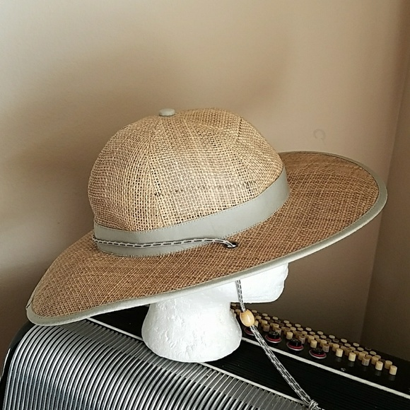 601080c4a4 Columbia Other - NWOT-COLUMBIA MENS STRAW SUN HAT